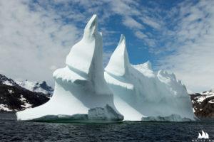 Po wypłynięciu ze stacji przywitała nas góra lodowa