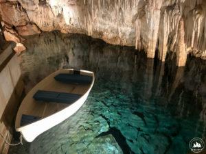 Taką łódeczką ponoć pływał tu Mark Twain