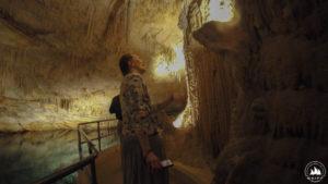 Ola zachwycona Fantasy Cave