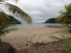 Plaża w Zatoce Wafer, gdzie mieszkają strażnicy Parku Narodowego Wyspy Coco