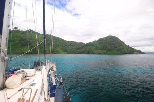 S/V Crystal w Zatoce Chatcham, Wyspa Coco