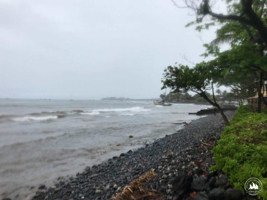 jacht_wysztrandowany_na_rafe_Maui