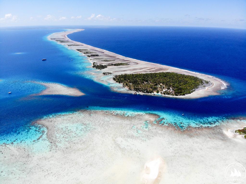 Jachty Crystal - południowe wejście atolu Fakarava