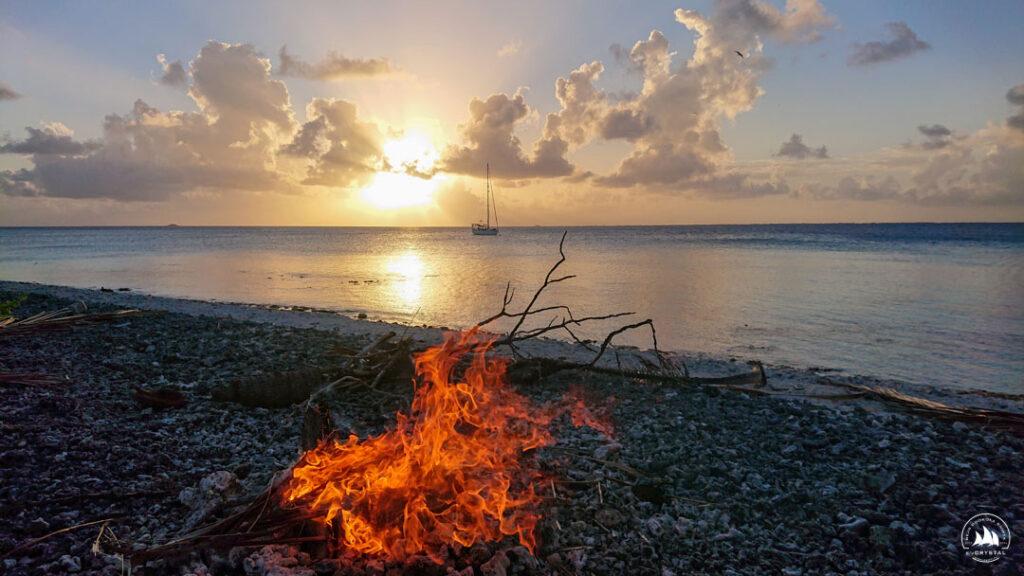 Ognisko na bezludnej wyspie